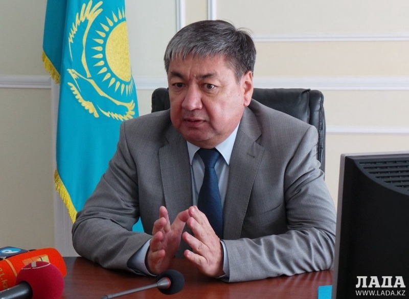 Сенатор Казахстана потребовал создать морскую службу по очистке Каспия от нефтяных пятен