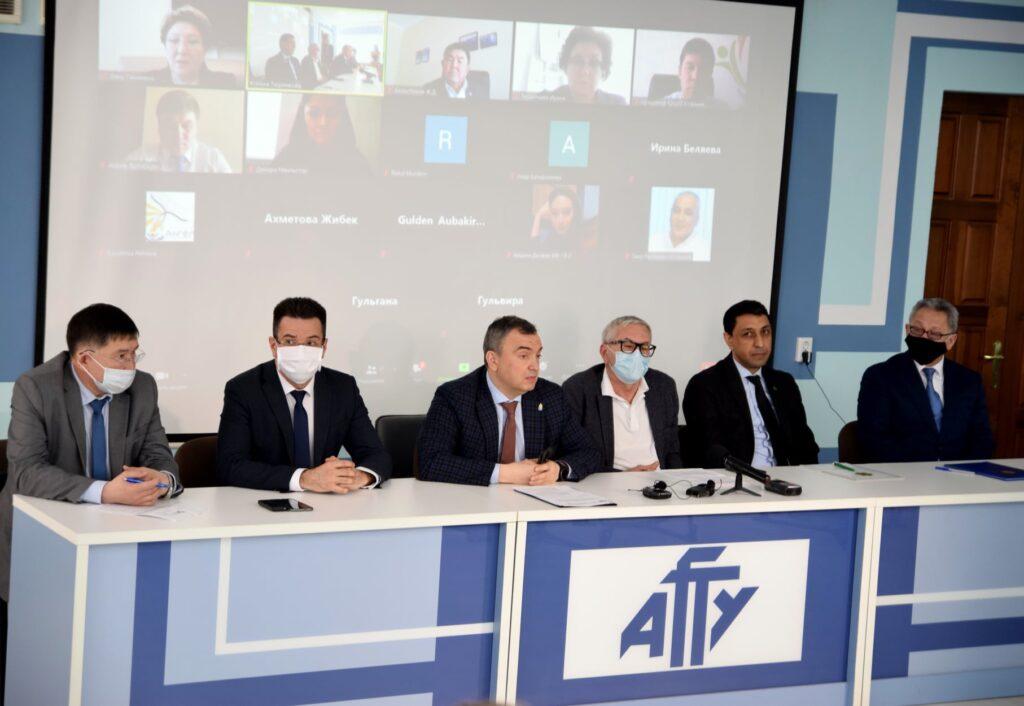 В Астрахани обсудили вопросы каспийского культурно-гуманитарного сотрудничества