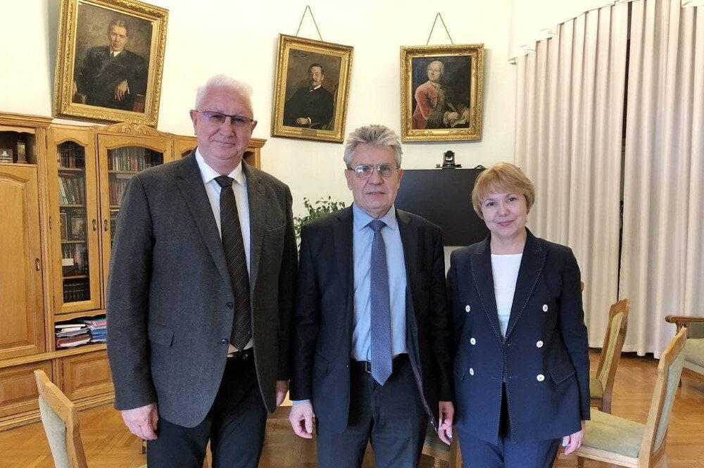 Президент РАН и ректор Астраханского госуниверситета обсудили вопросы взаимодействия