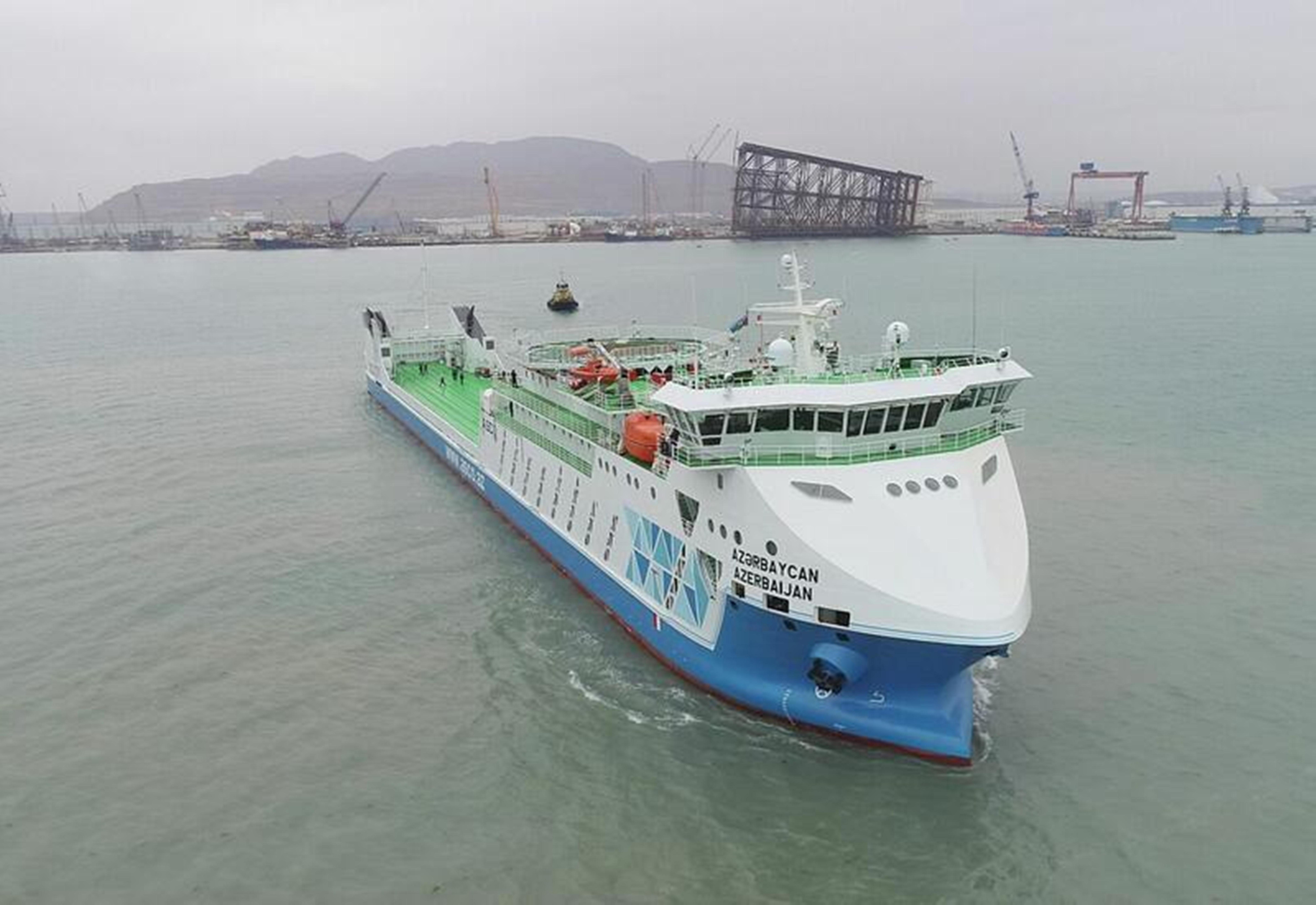 Новый паром «Азербайджан» впервые вошел в порт Туркменбаши