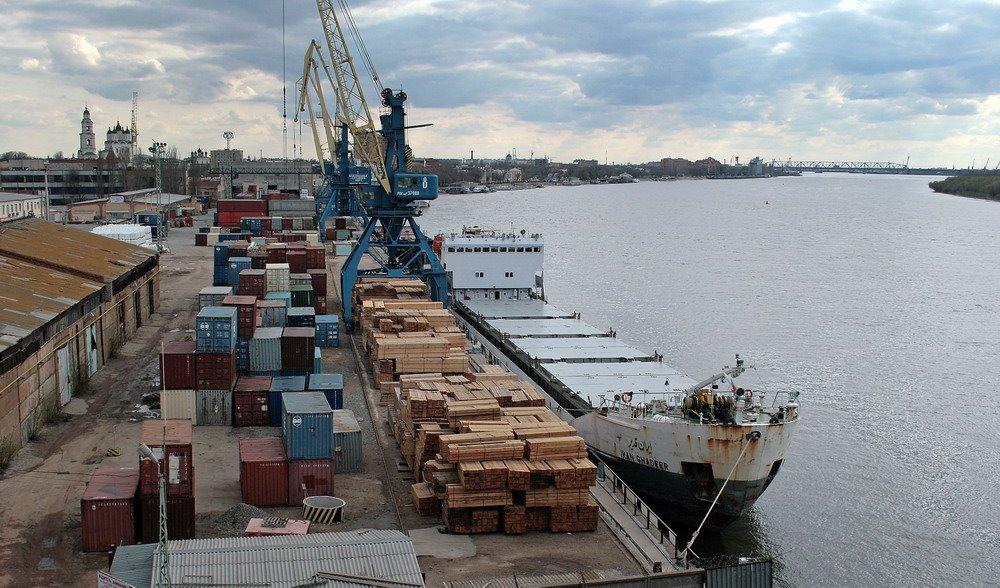 Астраханские порты увеличили грузооборот почти на 10% по итогам первого квартала 2021 года