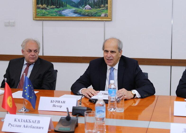 Спецпредставитель ЕС заявил об обеспокоенности обмелением Каспия