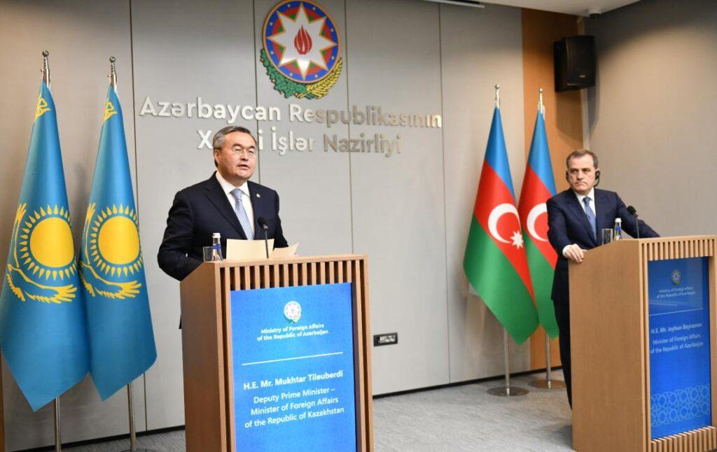 Министр иностранных дел Казахстана Мухтар Тлеуберди совершил визит в Баку
