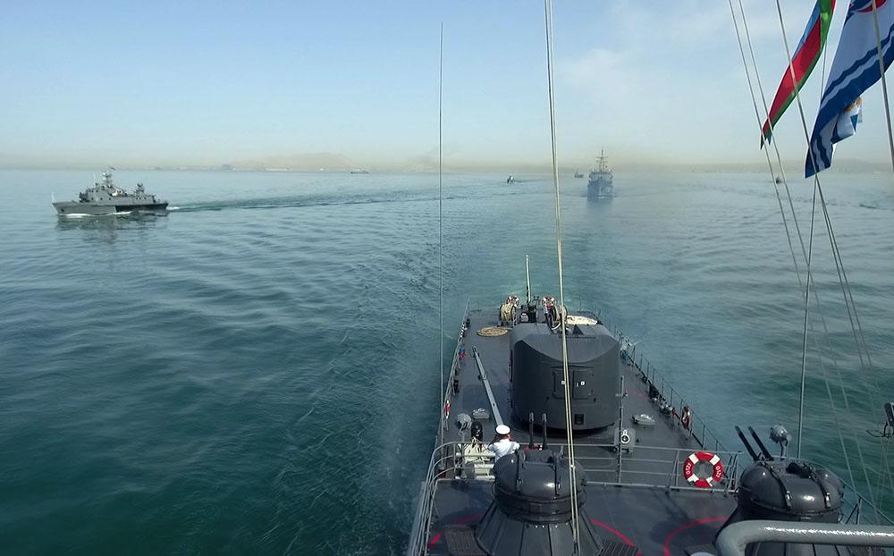 Военно-морские силы Азербайджанской Республики провели тактические учения на Каспийском море