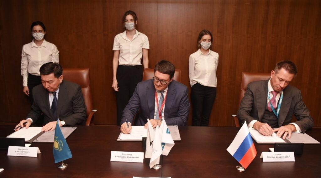 Российские и казахстанские компании заключили ряд соглашений в рамках ПМЭФ