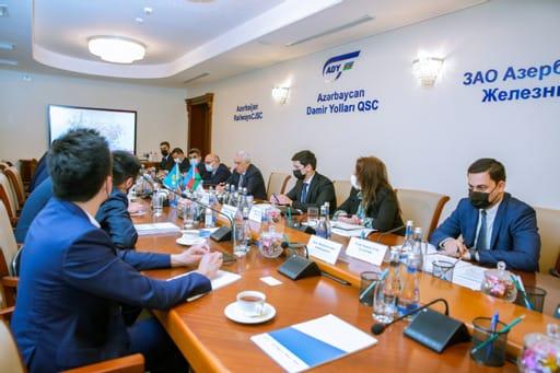 Железнодорожники Азербайджана и Казахстана обсудили стратегические направления сотрудничества