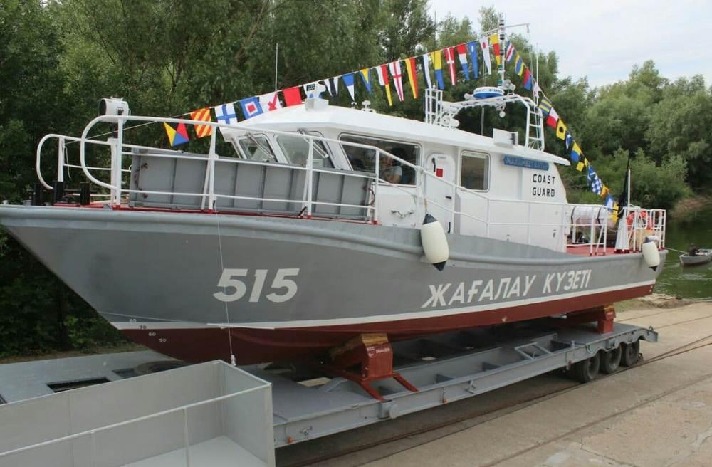 Казахстанские пограничники получили новые катера для патрулирования Каспия