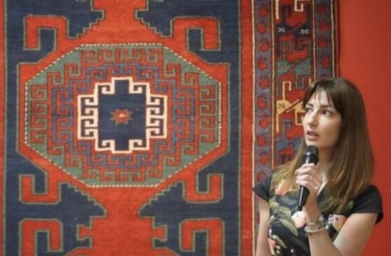 В Татарстане проходит выставка, посвящённая искусству азербайджанского ковроткачества