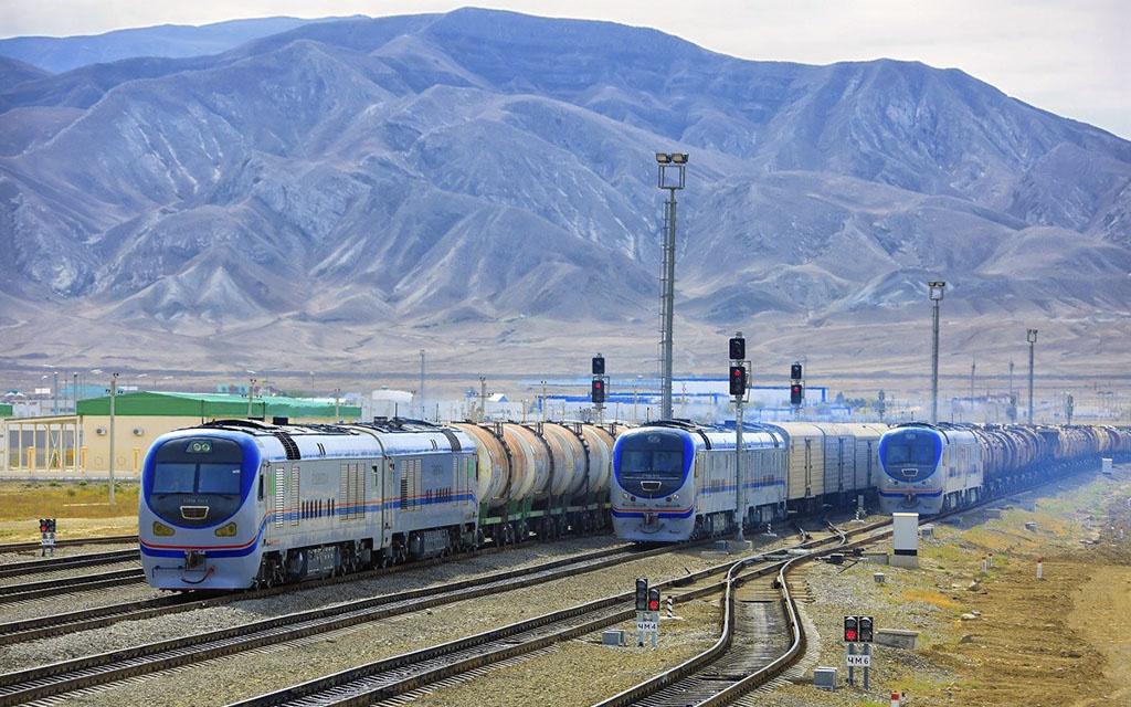 Иран и Кыргызстан договорились открыть транспортный коридор через Туркменистан