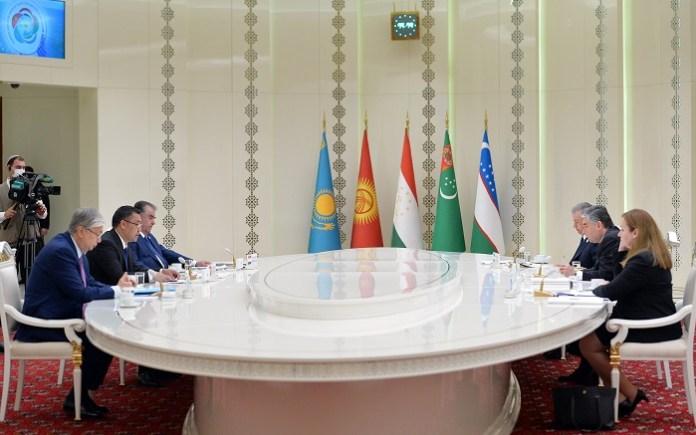На побережье Каспия прошла консультативная встреча глав государств Центральной Азии