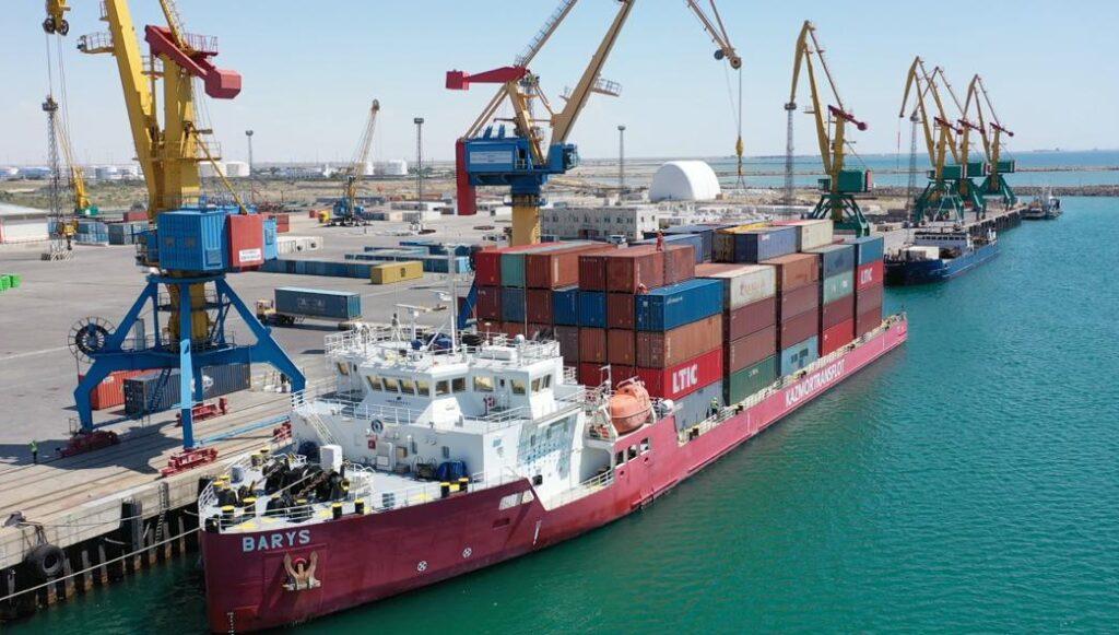 Погружено рекордное число контейнеров – 314 (ДФЭ) на казахстанское фидерное судно «Барыс»