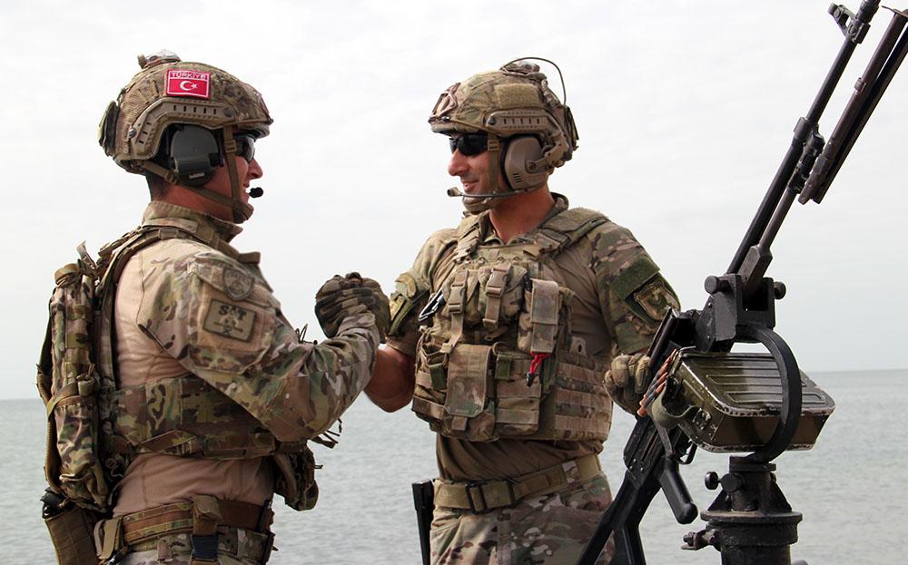 Спецподразделения Азербайджана и Турции провели учения на Каспийском море