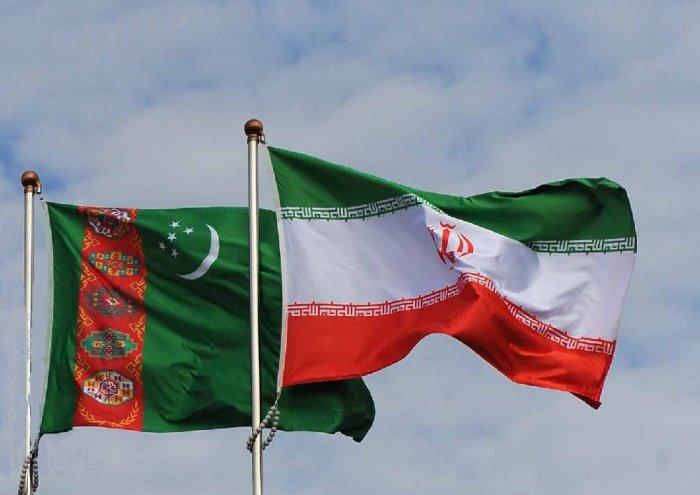 Министры иностранных дел Ирана и Туркменистана провели переговоры