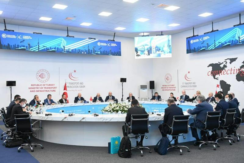 Развитие Транскаспийского международного транспортного маршрута обсудили в Стамбуле